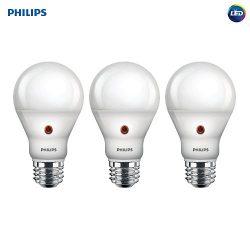 Philips LED Dusk-to-Dawn A19 Frosted Light Bulb: 800-Lumen, 2700-Kelvin, 8-Watt (60-Watt Equival ...